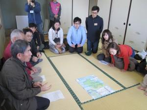 七ヶ浜町マップを見ながら、被災状況なども説明をしてくれた。