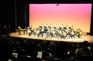 七ヶ浜町で初公演となる南の星吹奏楽団の演奏