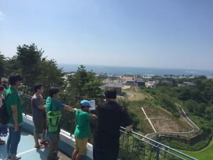 町内ツアー(国際村から高台移転地を望む)