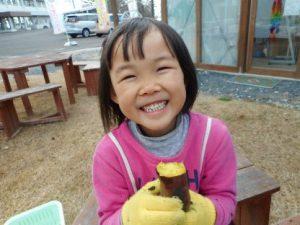 ホクホクの焼き芋に、 ほくほくの笑顔