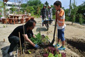 植栽を通じた交流の場「ファームガーデン」での活動
